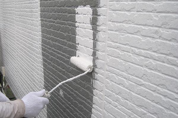 塗装工事の下地処理、下塗りは非常に重要です